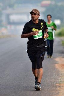 runner_on_road.jpg