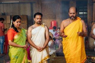 hindu_priest.jpg